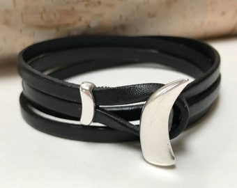 Black Double Strand Leather Bracelet with a  Horn Clasp, Leather Bangle, Silver Clasp and Black Leather, Men's Leather Bracelet