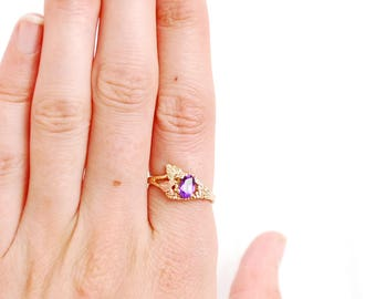 Amethyst 10k Tri Colored Gold Ring, Size 6.75, Estate Jewelry, Oval Cut Gemstones, Sweet Traditional Design, February Birthstone