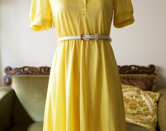 SALE 1970s does 1940s sunny yellow swing dress