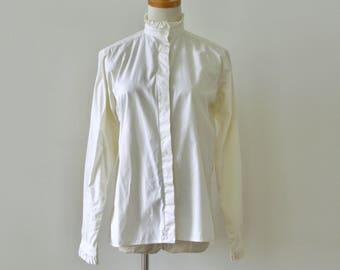 Vintage 90s cream ruffle blouse. Off white ruffle shirt. Bone ruffle collar top. Classic ruffle shirt. Minimalist shirt. Neutral shirt. S M