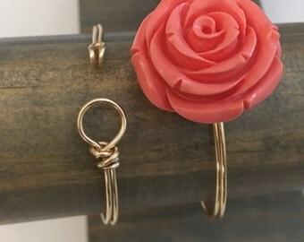 Rose Bud Wire Clasp Bracelet  / qty 1