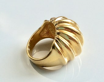 Vintage 18K HGE Ball Ring Size 5 Chic Ribbed Dome Chunky Statement Ring Golden Pinky Ring Modern Yellow Gold Electroplate Fashion Ring