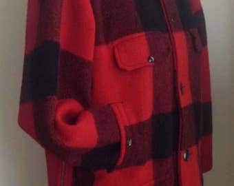 Vintage 1960s Red/Black Plaid Mens Wool Hunting Coat/Jacket/Mackinaw/Johnson Woolen Mills/Size 40