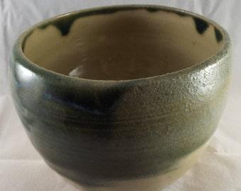 Small ceramic bowl (B)