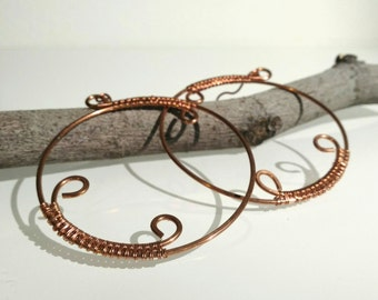 Gift for her. Dangle earrings. Big copper earrings. Round earrings with spiral.Copper jewelry. Metal hammered earrings.