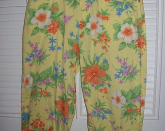 Capris 6 - 8, Ralph Lauren Floral Spring Vintage Find !  Sunny Yellow Print !  see details