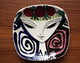 Mid Century DISH Stavangerflint WOMANS FACE  by Inger Waage Ceramic Vintage 1950's Norway Scandinavian Design Black White Red