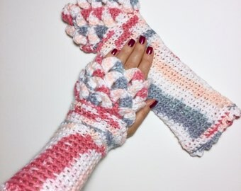 Arm Warmer Fingerless Gloves with Mermaid Scales, Pink and Grey Wrist Warmers with Crocodile Scales for Women or Teens, Warm Texting Gloves