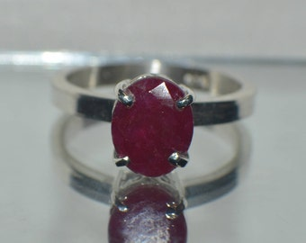 Gorgeous 3.50 ct. Natural Genuine  African Red Ruby in Sterling Silver Ring