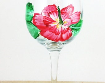 Flower Wine Glasses, Hibiscus flower, Floral Wine Glasses, Mom Wine Glass, Painted wine glasses, Gift for Mom, Wine gift, Wine lover gift