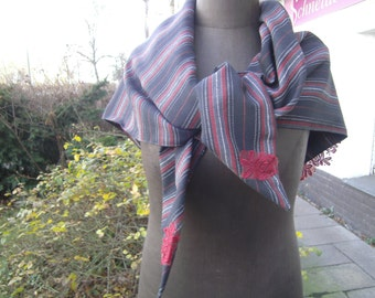 red- black Triangular Cloth - handmade Cloth  - Womensscarf  - Woolcloth - embroidery Scarf - Lacescarf