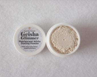 Geisha Glimmer Dusting Powder * Lustruos Pearlescent Powder