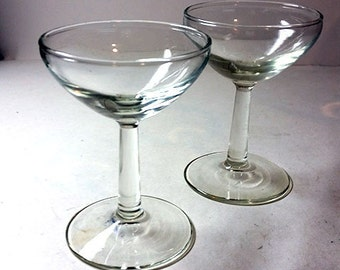 2 Glass Champagne Coupes
