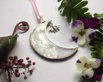 "Stained Glass Moon with Bee Charm,Sun Catcher,Wedding or Honeymoon Gift,Wispy White Glass,Window Art,Window Decoration, 3"" x 3"""