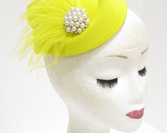 Yellow Ivory Feather Pillbox Hat Fascinator Headpiece Ascot Vintage Races 2290