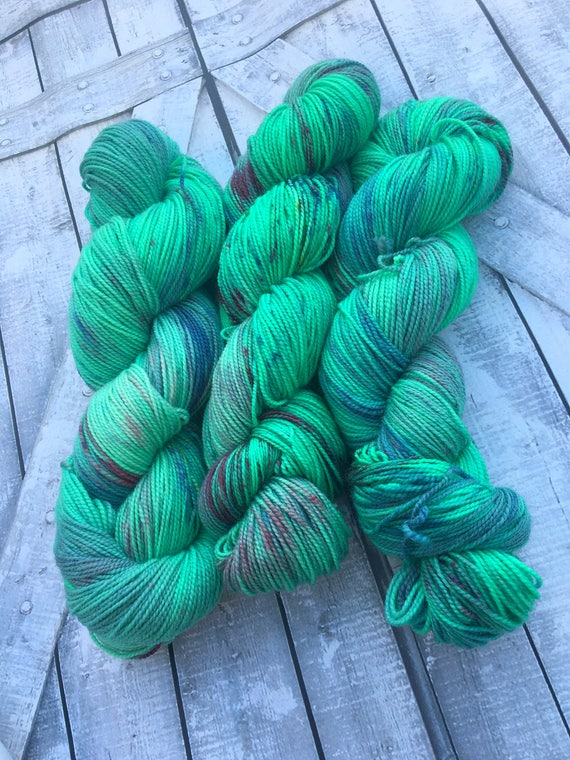 Hand Dyed Yarn,Eleutheromania,Boho Life Series,Green Speckled Yarn,Fingering Weight,Superwash,100 grams,indie dyed yarn,Bohemian Sock Yarn