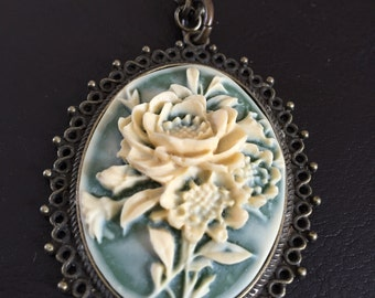 Flower cameo necklace, cameo necklace, cameo jewelry,chunky necklace