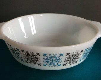 Vintage pyrex - JAJ pyrex Chelsea pattern small casserole dish