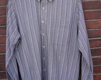 VINTAGE 90's Man shirt// printed shirt//grey color