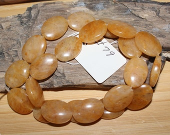 """16"""" Strand of 17 X 13mm Smooth Oval Golden Honey Jade Beads #79"""