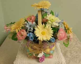 Easter Flower Arrangement, Easter Flower Basket, Spring Floral Arrangement, Easter Flowers, Spring Basket Arrangement, Easter Basket