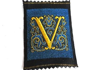 Monogram V Applique  1930s Vintage Embroidered 'Letter V' applique. Alphabet Patch / Monogram application, antique letter. #64CG48K4