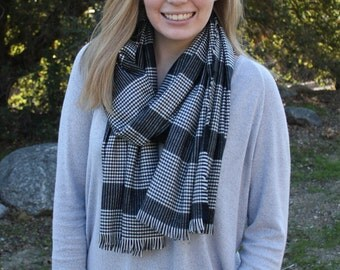 Black and White Houndstooth Plaid Flannel Scarf