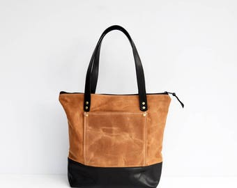 Tan waxed canvas and leather zipper pocket tote bag / Work bag / Waxed canvas tote bag / Leather shoulder bag