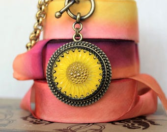 SUNSHINE Yellow Glass Necklace Sunflower Daisy, Happy Gifts, Feel Good gifts, Get well gifts, Sunny Yellow Pendant Necklace  veryDonna