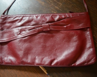 Vintage garnet red beautiful leather clutch purse Made in Brazil retro