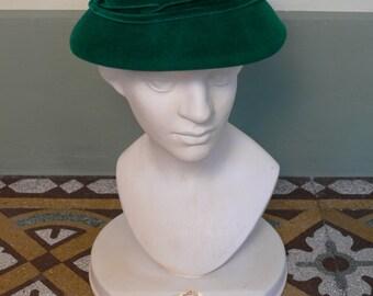 1950s Vintage bright green hat