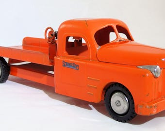 Vintage Structo 1940's Flatbed Wrecker Truck