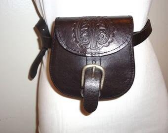 Really Nice Vintage Dk. Brown Leather Belt Bag