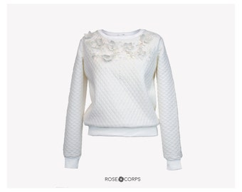 Quilted jumper with faux leather and sequin bead flowers