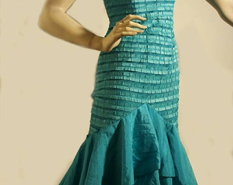 sequins dress/ glamour dress / mermaid dress/ 1950s style / Hollywood style/ green water/ green water dress/
