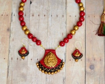 Terracotta Jewelry - Indian jewelry - Polymer clay jewelry - Red Gold Lakshmi Pendant Necklace Set - Unique gifts - Indian wedding jewelry