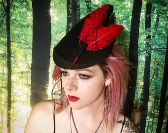 1940s Red Feather Veiled Black Fascinator Hat