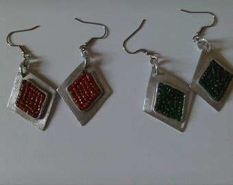Aluminum earrings with glass pearls and coral