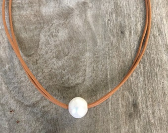 Valentine's Day Gift - Leather and Pearl Necklace - Pearl Choker - Leather and Pearls - Choker Necklace
