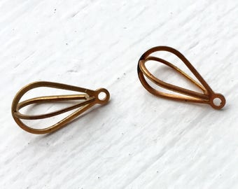 Item 915 Vintage Brass Cage Drops Pear Shape 16MM x 9MM Qty 6