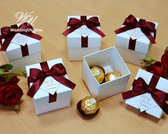 Elegant Wedding Bonbonniere - Wedding favor boxes with Burgundy satin ribbon bow and custom personalized tag - candy boxes