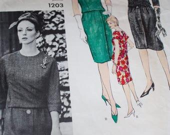 SALE Vogue Couturier Design Dress by Mattli Of England---Vogue 1203---Size 14 Bust 34
