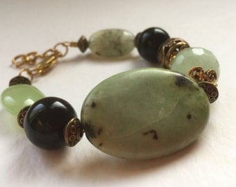 Handmade Chunky Pale Green and Black Natural Stone Bracelet/Flat Bead/Faceted Bead/Metal Open-Work Bead