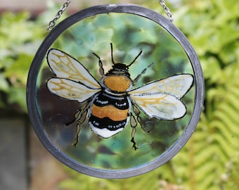 Bumblebee bee hand painted wildlife glass decoration garden suncatcher
