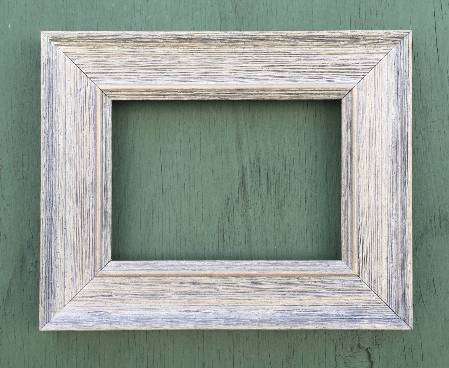 farmhouse distressed 4x6 5x7 gray picture frame rustic. Black Bedroom Furniture Sets. Home Design Ideas