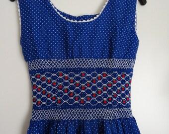 Robe fille vintage bleue/pois blancs smocks broderies taille 10/12 ans