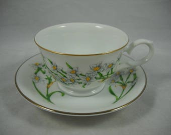 Avon Blossoms of the Month Cup & Saucer Set December-Narcissus