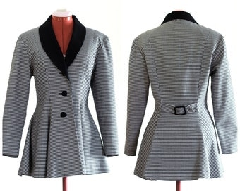 Black and white houndstooth fit and flare blazer