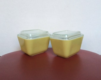 Set Of 2 Vintage Pyrex Yellow 501 Refrigerator Dishes With Lids - 1 1/2 Cup - Pyrex Verde 501 - Glass Storage Dishes With Lids - Made In USA