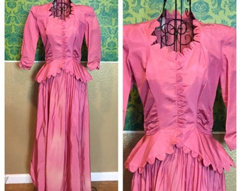Vintage 1930s Dress - Pink Floor-Length Gown with Large Peplum - XS